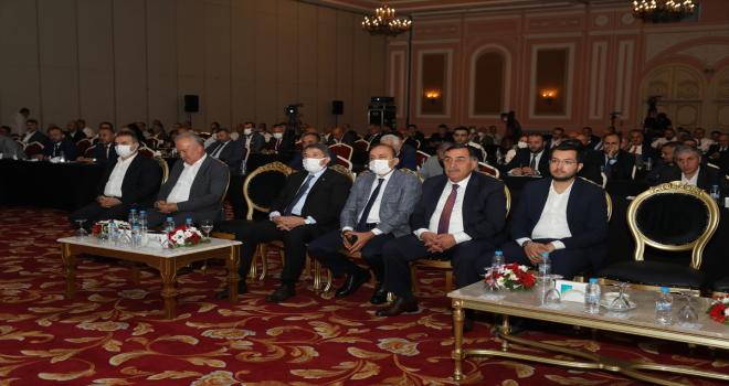 Hak-İş Genel Başkanı Arslan, Antalya'da Hizmet-İş Sendikasının toplantısında konuştu: