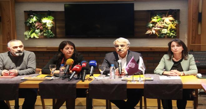 HDP Eş Genel Başkanları Buldan ve Sancar, Alevi STK temsilcileriyle bir araya geldi