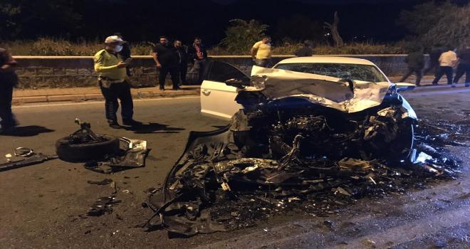 Kayseri'de 4 otomobil çarpıştı, 2'si ağır 6 kişi yaralandı