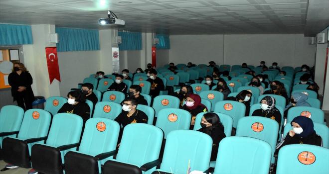 Kırıkkale'de lise öğrencilerine siber suçlar hakkında seminer verildi