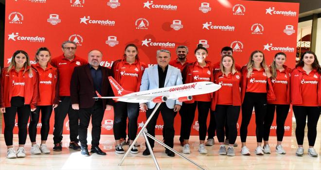 Muratpaşa Belediyespor Kadın Voleybol Takımı, sezonun ilk maçının hazırlıklarını tamamladı