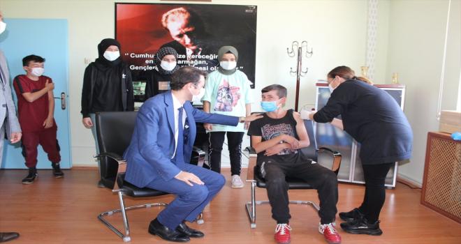 Saraykent'te 12 yaş ve üzeri çocuklarda Kovid-19 aşı uygulaması başladı