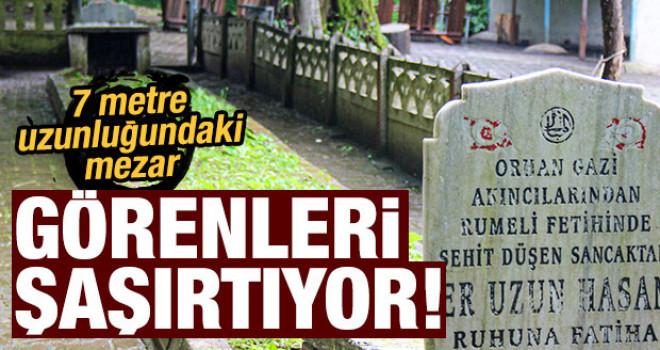 7 metre uzunluğundaki mezar görenleri şaşırtıyor!