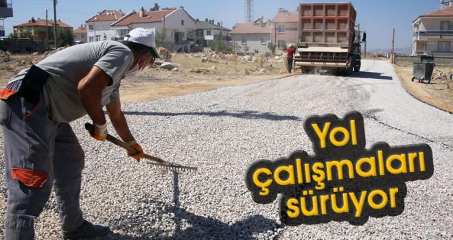 Karaman Belediyesi'nin yol çalışmaları sürüyor