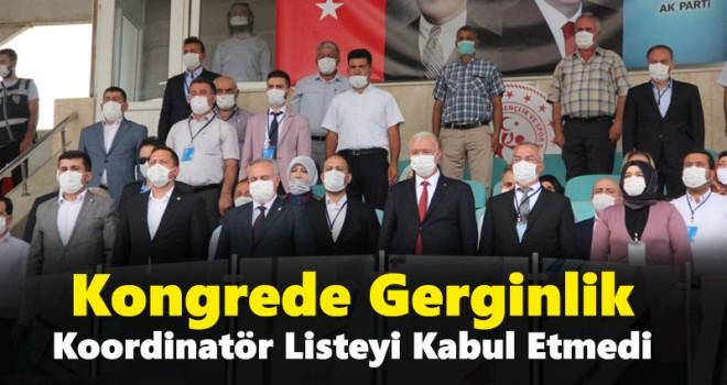 AK Parti Karaman Merkez İlçe Kongresi Sorunlu Başladı