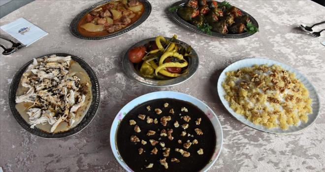 Çullama ve höşmerim, iftar sofralarına lezzet katıyor