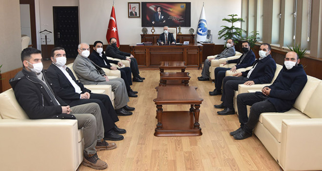 Ak Partili Belediye Meclis Üyelerinden Rektör Ak'a Ziyaret
