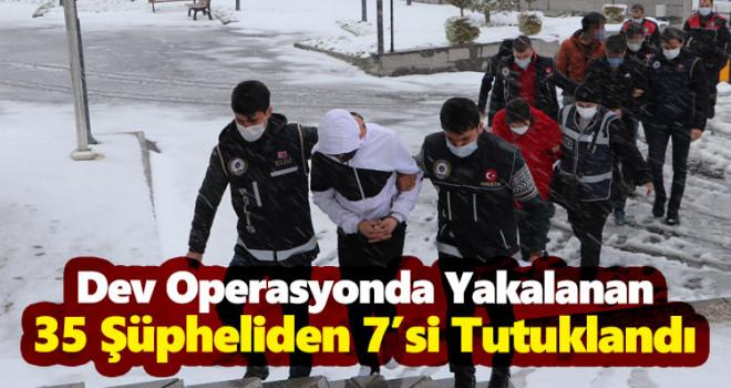 Karamandaki operasyonda yakalanan 35 şüpheliden 7'si tutuklandı