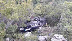 Karaman'da otomobil devrildi: 3 yaralı