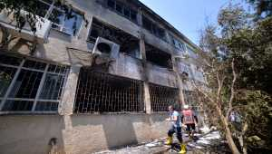 Mersin'de lisede patlama! 2 öğretmen yaralandı