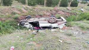 Sivas'ta sulama kanalına devrilen otomobildeki 5 kişi yaralandı