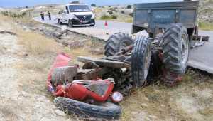 Burdur'da traktör şarampole devrildi: 1'i çocuk 4 yaralı