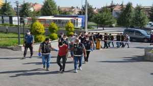 Hemşirelik öğrencisinin çete üyelerine sahte reçete düzenlediği iddiası
