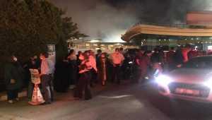 Otel bahçesindeki düğün töreni, havai fişekten çıkan yangının söndürülmesinin ardından devam etti