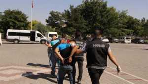 Aksaray'da uyuşturucu sattıkları iddiasıyla 5 şüpheli tutuklandı