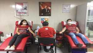 AKUT'tan şehit Türk Kızılay personeli anısına kan bağışı