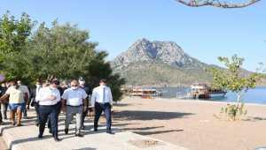 Antalya Valisi Yazıcı, Adrasan'da yanan ormanlık alanda inceleme yaptı: