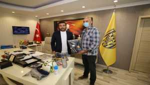 MKE Ankaragücü Kulübünden şehit ismini taşıyan futbol takımına yardım