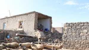 Niğde'deki depremde 17'si ağır, 126'sı hafif 143 ev hasar gördü