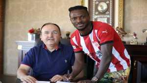 Sivasspor, Olarenwaju Kayode'yi transfer etti