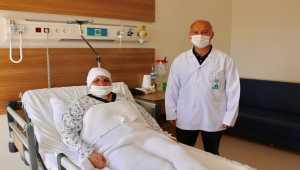 Trafik kazasında ikiye ayrılan suratı ameliyatla düzeltildi