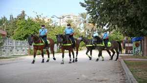 Adana'da atlı polis birliği göreve başladı