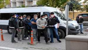 Aksaray merkezli FETÖ operasyonunda gözaltına alınan 17 şüpheli adliyede