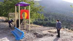 Akseki'de çocuklara yeni oyun parkları