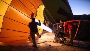 Engelli kızın sıcak hava balonuna binme hayali gerçekleşti