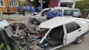Hatay'da hafif ticari araç ile otomobil çarpıştı: 8 yaralı