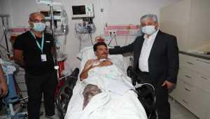 Hatay Valisi yaralananları hastanede ziyaret etti