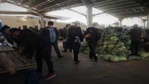 Kırıkkale'de tezgahta baygın bulunan pazarcı, hastanede hayatını kaybetti