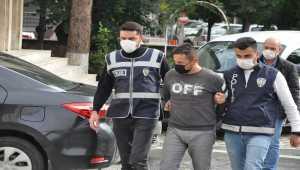 Konya'da genç avukatı bıçaklayan şüpheli adliyede