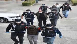 Polise yakalanmamak için kamera sistemi kuran 5 uyuşturucu şüphelisi tutuklandı