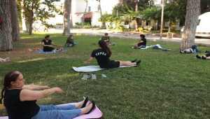 Kepez Belediyesi kadınlara yönelik spor etkinlikleri düzenliyor