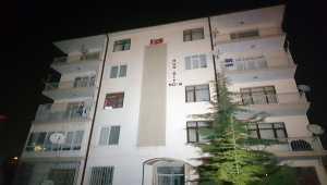 Konya'da boşanmak isteyen eşine sinirlenen adam evini yakmaya çalıştı