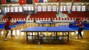 Milli masa tenisçi Sibel Altınkaya, olimpiyat vizesi için raket sallıyor