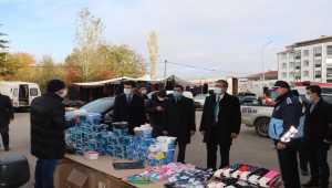 Suşehri'nde halk pazarında koronavirüs denetimi