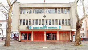 Akşehir Belediyesi bazı esnaf ve okul servisçilerine maddi yardımda bulundu