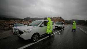 Akseki'de jandarma ekipleri trafik denetimi yaptı