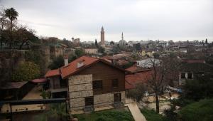 Antalya, Muğla, Isparta ve Burdur'da sokağa çıkma kısıtlaması nedeniyle sessizlik hakim