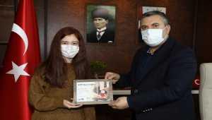 Çubuk'lu başarılı öğrenciden Belediye Başkanı Demirbaş'a ziyaret