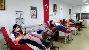 Kırşehir'de AFAD gönüllüsü gençlerden kan bağışı