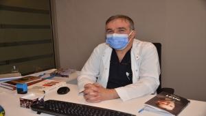 Kovid-19'dan 42 gün yoğun bakımda yatan hasta, iyileşince yeni doğan bebeğini kucağına aldı