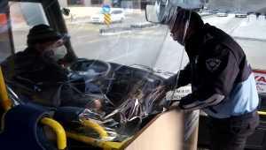Nevşehir'de zabıta ekiplerinden halk otobüslerinde maske ve mesafe denetimi