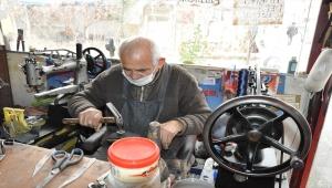 Yozgat'ta 69 yıldır eski ayakkabılara