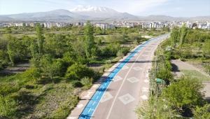 Develi Belediyesi 2 kilometre bisiklet yolu yaptı