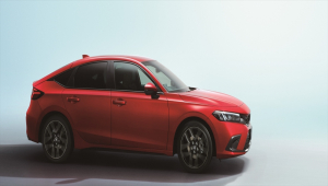 Honda'nın yeni hibrit modeli Civic Hatchback tanıtıldı