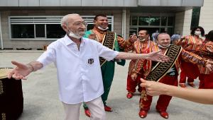 Huzurevi sakinleri Babalar Günü'nü kutladı