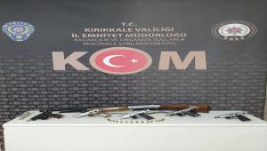 Kırıkkale'de araçlarında ruhsatsız silah ele geçirilen 3 şüpheli gözaltına alındı